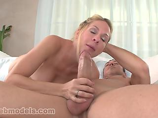 Experienced blonde unleashed her sexual skills on fat dick