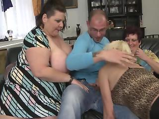 Three mature BBWs are sharing just one cock in foursome XXX
