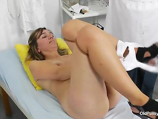 Stunning mom with saggy boobs and a perverted doctor in white robe