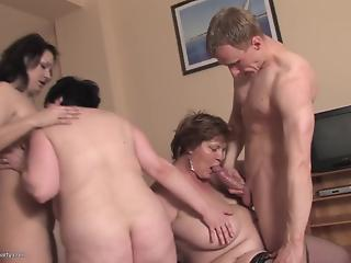 Young man and dirty mature BBWs and cougars in reverse gangbang