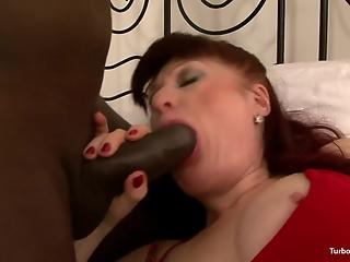Red-haired classy housewife is actively blacked in bedroom