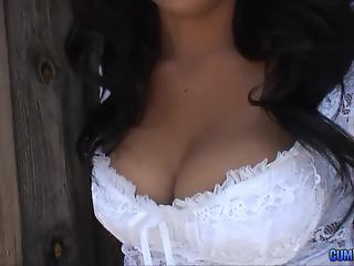 Attractive Latina MILF in cowboy hat drilled well in tent