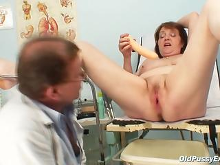 Doctor toys patient's pussy during ordinary examination