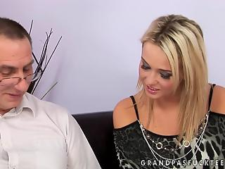 Experienced man gladly shows curious stepdaughter real sex
