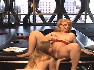 Big-boobed housewife and MILF in awesome XXX lesbian game