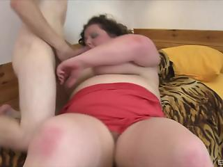 Chubby BBW mom and young man have awesome morning porn XXX