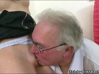 Pigtailed young babe fucks with old man just to get some jizz