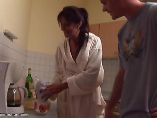 Skinny housewife gets hardly drilled and creampied by young man