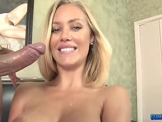 Five-star MILF with sparkling smile is sucking like a goddess