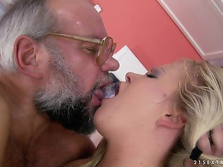 Tricky grandpa and big-boobied minx begin day with hot fuck