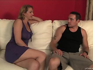 Two sexy young dolls and mature fucker have impressive 3some a...