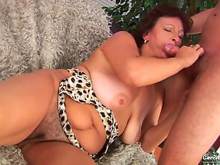 Big-breasted mommy gets her pussy licked and fucked
