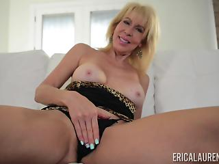 Stacked blonde GILF shoves a huge toy up her pussy